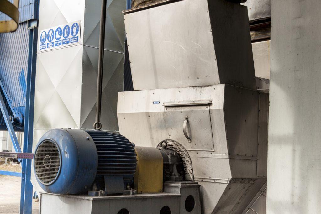 Montaż wentylatorów przemysłowych i spalin w fabrykach